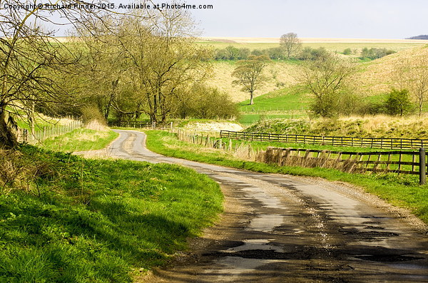 Thixendale Road Canvas print by Richard Pinder