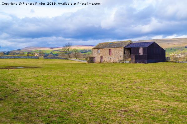 Wensleydale, Stone Barn. North Yorkshire Canvas print by Richard Pinder