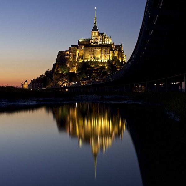 Mont Saint Michel Canvas print by Stephen Taylor