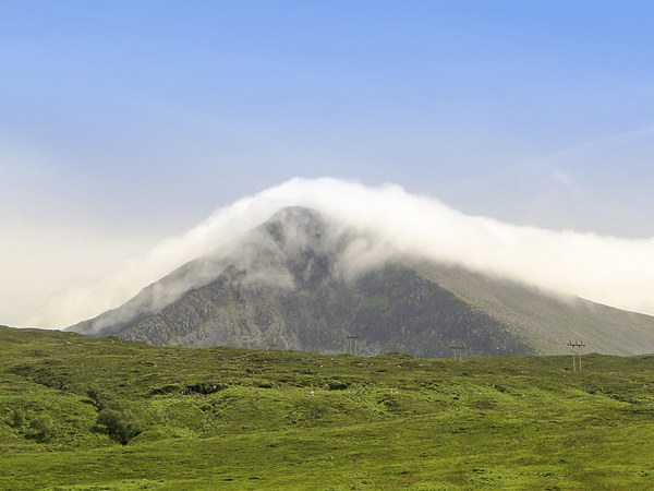Mountain Clouds Canvas print by Tom Purdy