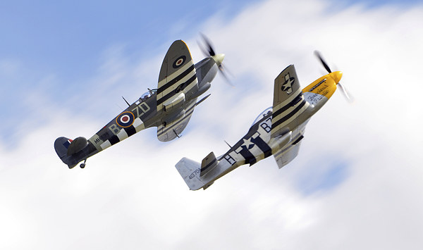 spitfire & mustang close formation  Canvas print by Andy Stringer