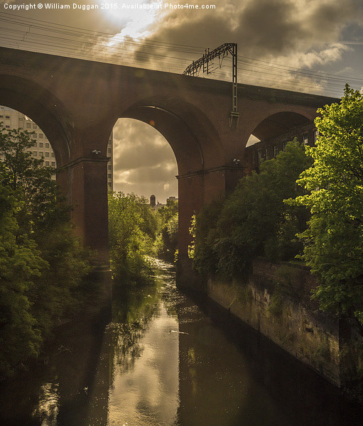 Stockport Viaduct  Canvas print by William Duggan