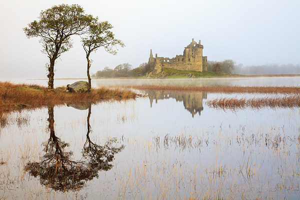 Kilchurn Reflections Canvas Print by Andrew Ray