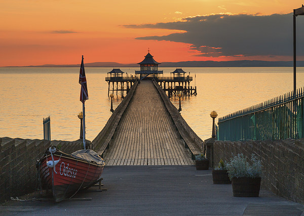 Towards Clevedon Pier Canvas print by Andrew Ray