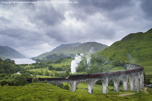 Jacobite Express crossing Glenfinnan Viaduct Canvas print by Howard Kennedy