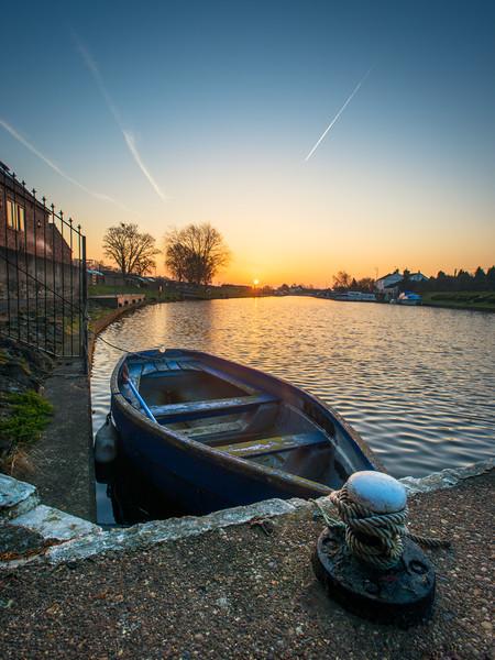 paddle boat Torksey lock Canvas Print by jason thompson