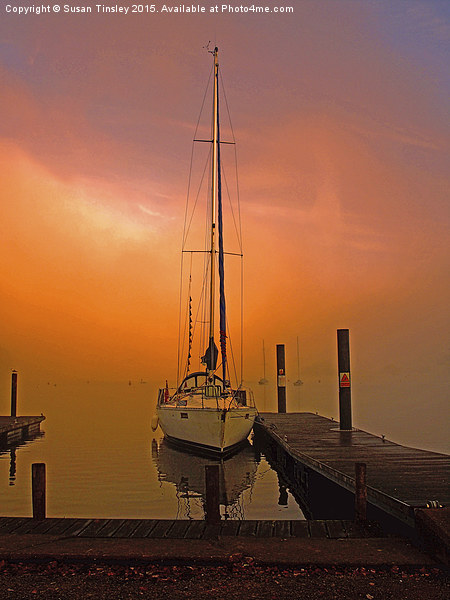 Sunrise at Windermere Canvas print by Susan Tinsley