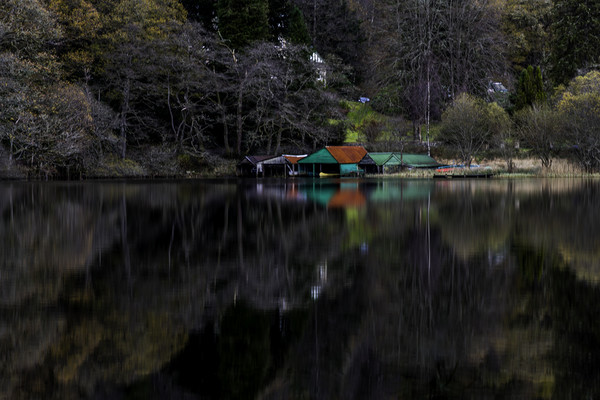 Boat House  Canvas print by Alan Sinclair