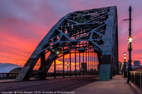 Tyne Bridge Sunrise Canvas print by Colin Morgan