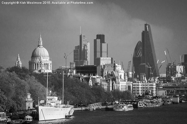 London Scenes 1 Canvas print by Kish Woolmore