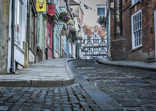 Lincoln, Steep Hill, early morning Canvas print by Andrew Scott