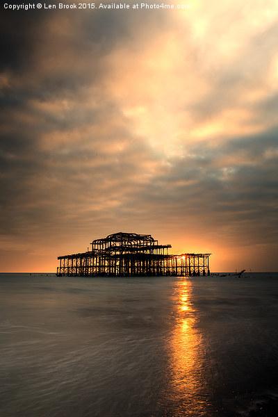 Brighton Pier Sunset Canvas print by Len Brook