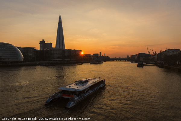 Sunset Cruise on the River Thames Canvas print by Len Brook