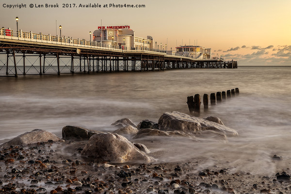 Worthing Pier Evening Canvas print by Len Brook