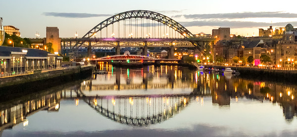 Evening at Newcastle Quayside III Canvas print by Naylor's Photography