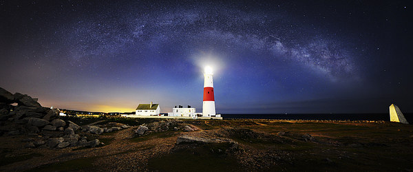 Portland Bill Milky way  Canvas print by daniel allen