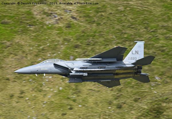 F15e Strike Eagle jet Canvas print by Derrick Fox Lomax