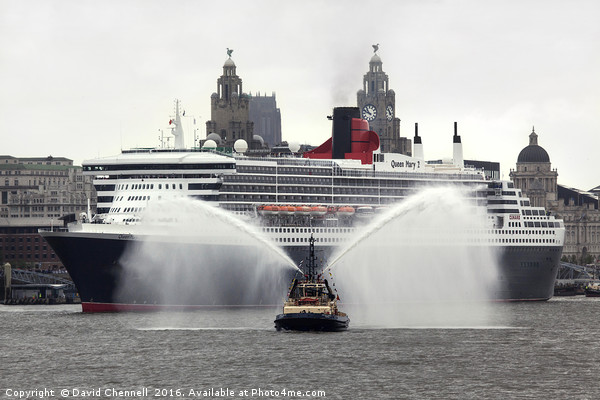 Queen Mary 2 Canvas print by David Chennell