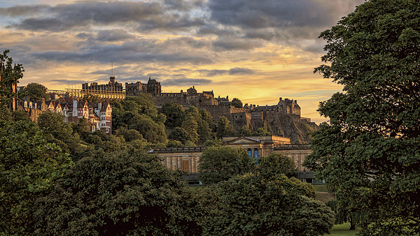 Beautiful Sunset over Edinburgh Castle Canvas Print by Miles Gray