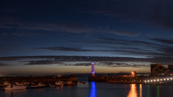 Comet NEOWISE from Newhaven Harbour Edinburgh Canvas Print by Miles Gray