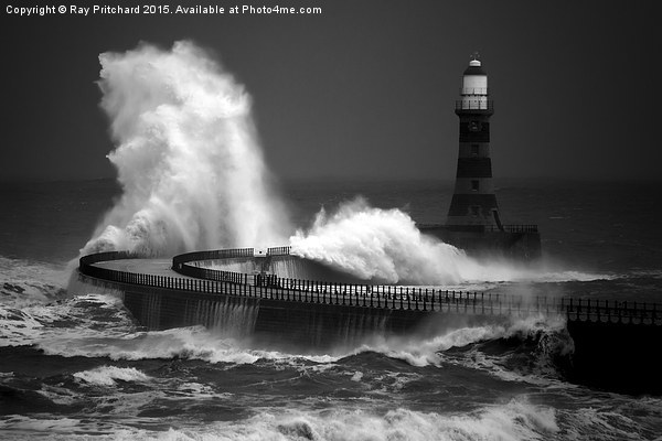 Moody Roker Canvas Print by Ray Pritchard