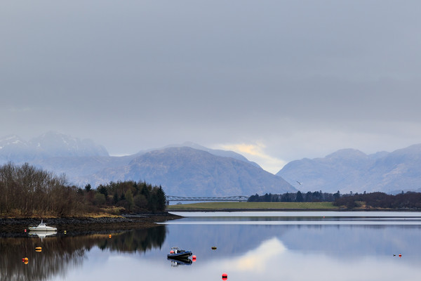 Scottish Loch  Canvas print by chris smith