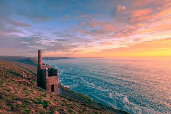 Wheal Coates tin mine   Canvas print by chris smith