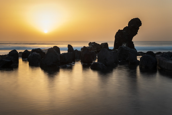 Tenerife sunset  Canvas print by chris smith