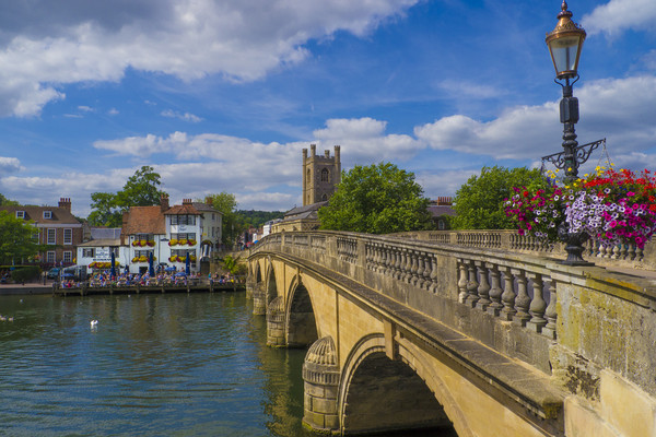 Henley on Thames, Oxforshire , England  Canvas print by Philip Enticknap