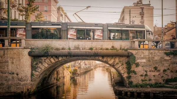 Milanese Tram#4 Canvas print by Richard Downs