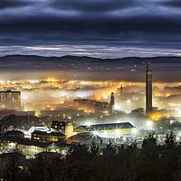 Buy canvas prints of Dundee City Fog by Craig Doogan