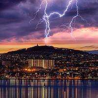 Buy canvas prints of Dundee City Lightning by Craig Doogan