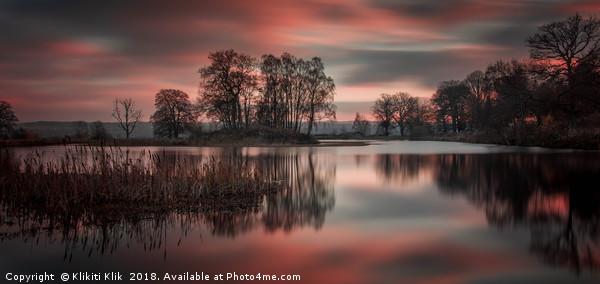 Larbert Loch Sunset Canvas print by Klikiti Klik