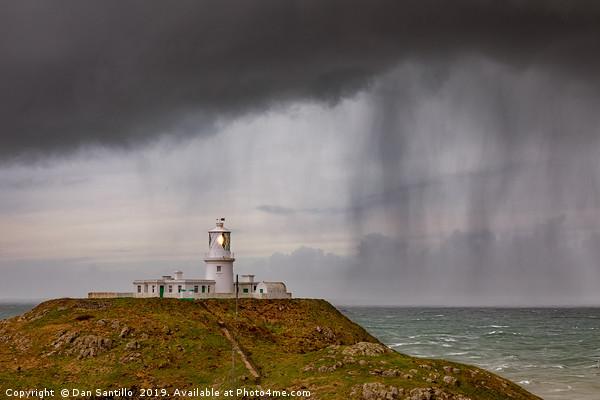 Strumble Head Lighthouse, Pembrokeshire Canvas print by Dan Santillo