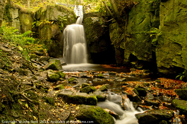 Lumsdale Falls in Autumn Canvas Print by John Gent