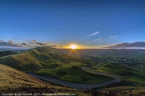 Sunset Over Rushup Edge From Mam Tor Canvas print by Ian Haworth