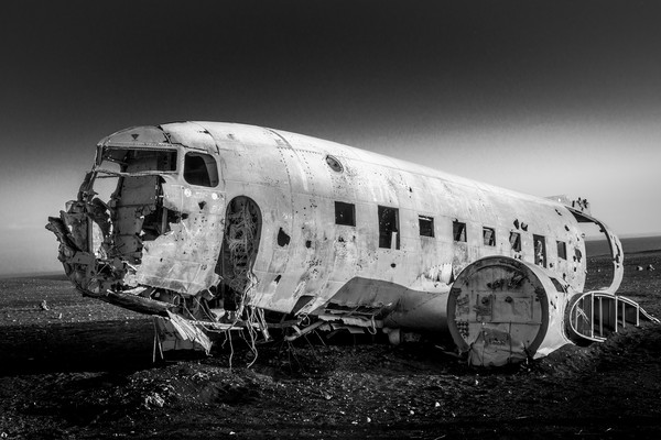 Crashed Plane Iceland Canvas print by Tony Bishop