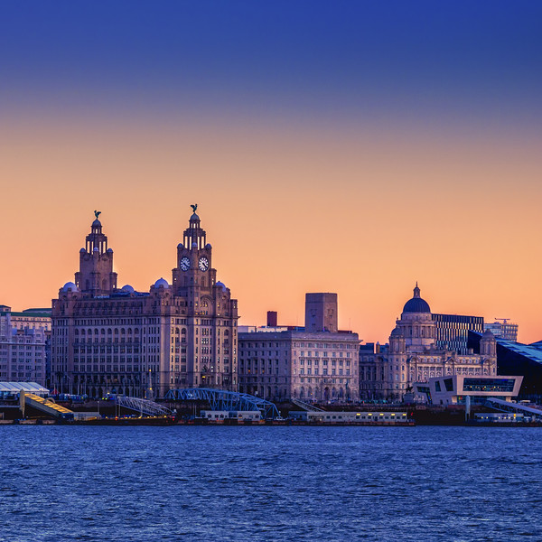 LIVERPOOL CITYSCAPE Canvas print by Kevin Elias