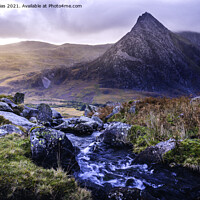 Buy canvas prints of Tryfan by Kevin Elias