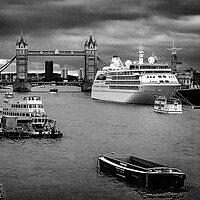 Buy canvas prints of Thames traffic by Kevin Elias