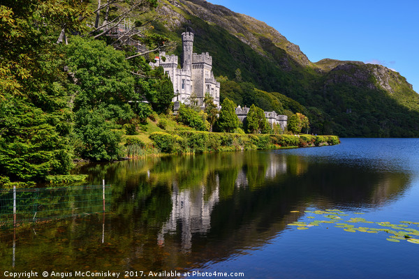 Kylemore Abbey reflections, County Galway Canvas print by Angus McComiskey