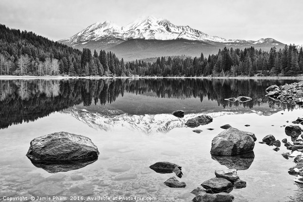 A dramatic view of Mount Shasta from Lake Siskiyou Canvas print by Jamie Pham