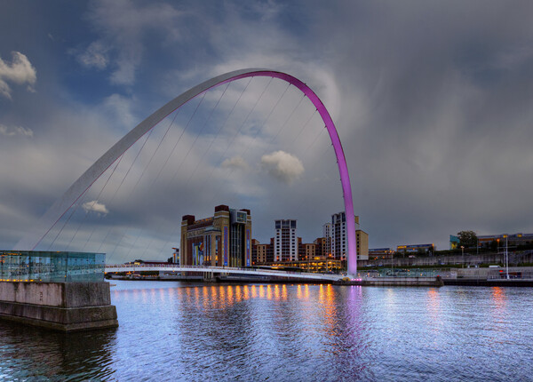 Millennium Bridge Gateshead Framed Print by Stephen Smith