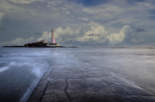 St Marys Lighthouse Framed Print by Stephen Smith