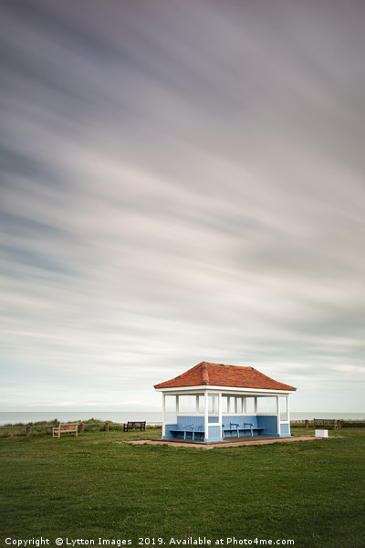 Kentish Beach Shelter Canvas print by Lytton Images