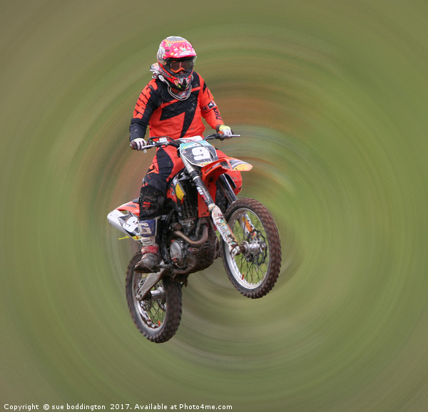 Motor Cross Rider in flight Canvas print by sue boddington