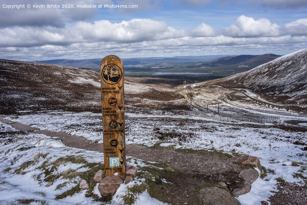 Aviemore Cairngorms wooden sign post Canvas Print by Kevin White