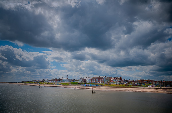 Southwold beach and lighthouse. Canvas Print by Linda Cooke