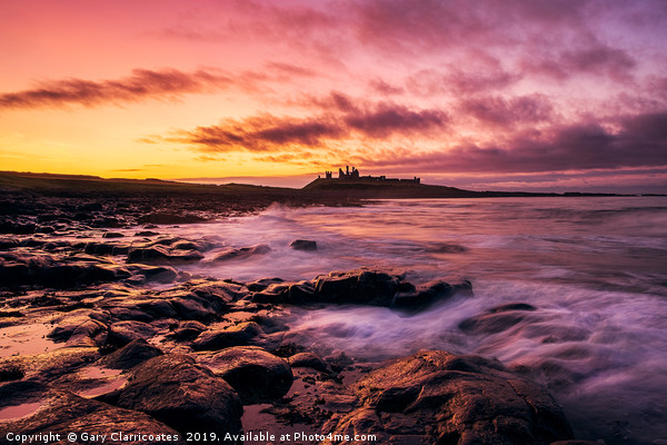 Last Light at Dunstanburgh Canvas print by Gary Clarricoates