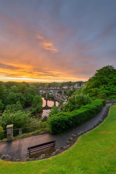 Knaresborough Viaduct sunset Canvas print by mike morley